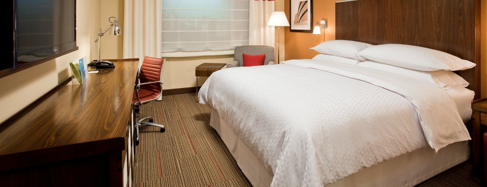 Newburgh Accommodations - Accessible King Room